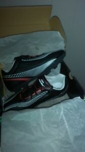 NEW Youth/Child Size 3 Soccer Shoes Indoor/Outdoor