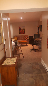 Central suite in heritage home, minutes from Queens and downtown Kingston Kingston Area image 6