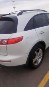 I am selling my infinity 2005, I bought a new car  with no space