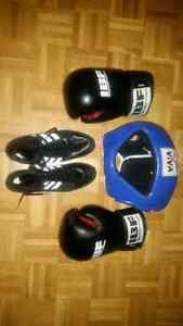 Boxing gloves/headgear/shoes