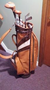 LADIES. GOLF CLUBS & BAG Belleville Belleville Area image 2