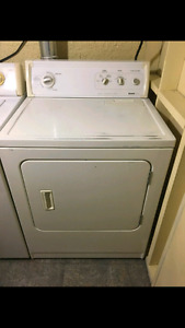 Secheuse blanche Kenmore heavy duty tres propre