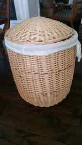 Big wicker laundry or storage basket with lid and liner