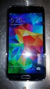 Bell Samsung Galaxy S5 Black / Gray Back, Excellent Condition