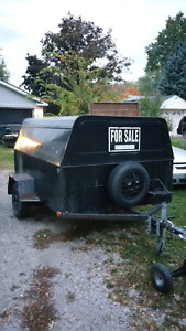 ENCLOSED TRAILER
