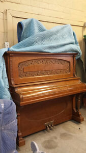 Piano droit - BELL -