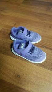 Toddler girl size 7 nike running shoes
