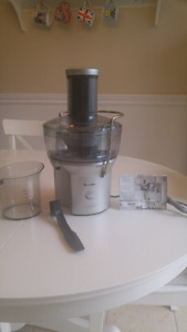"Breville juicer. Extracteur a jus ""juice fountain compact"""
