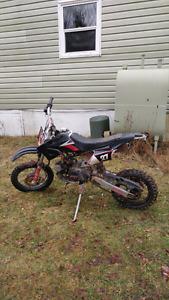 2010 125 Gio Dirtbike & Brand new parts