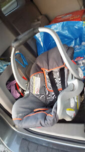 Good car seat Baby Trend. Exp. date: 2017 Gatineau Ottawa / Gatineau Area image 6