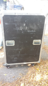 2 metal clydsdale amplifer or music equipment