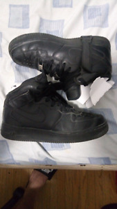 ALL BLACK NIKE AIR FORCE 1 MIDS NEED GONE ASAP