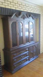 Vintage cabinet / Hutch