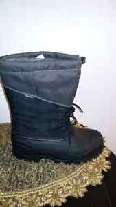 snow boot brand new  West Island Greater Montréal image 1