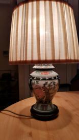 Vintage Hand Painted Oriental Table Vase Lamp.