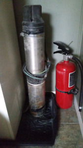 1hp 220v pump works good open to offers 2 0 4 - 2 9 6 - 2 5 7 2