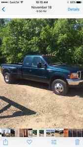 1999 Ford F-350 XLT Pickup Truck