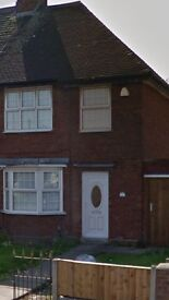 3 bedroom end terrace halewood road £700 pcm
