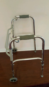 LUMEX ADJUSTABLE & FOLDABLE ALUMINUM WALKER( GOOD CONDITION )
