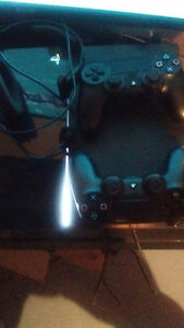 PS4 1 controller,  headset, and 8 games