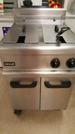 Deep fat fryer ( gas ) . LINCAT