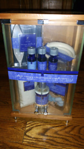 NEW AromaSource Mood Therapy Lavender Collection Curio Cabinet