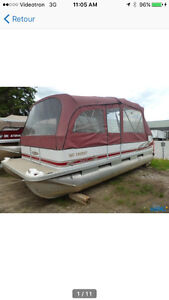 Pontoon for sale in very good condition