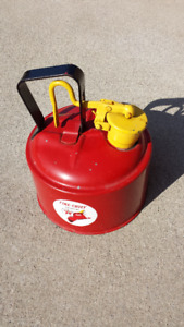 ANTIQUE TEXACO FIRE CHIEF GAS CAN