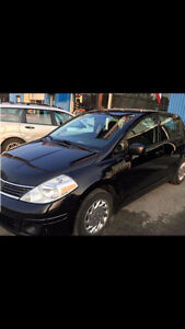 LOW KMS!!! Lady driven!! Clean!! 2008 Nissan Versa SL Hatchback!