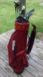ARNOLD PALMER/ WILSON GOLF CLUBS AND BAG BY WILSON