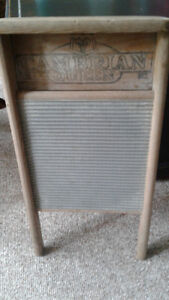 Antique Cambrian Queen Washboard