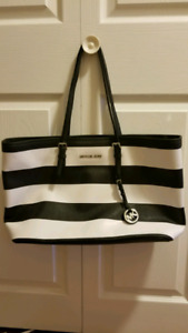 Mint condition Michael Kors bag