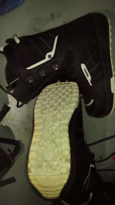 BURTON INVADER SNOWBOARD BOOTS - LIKE NEW!