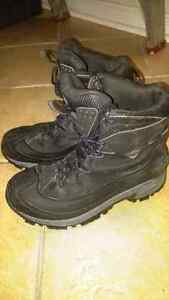 Boys/mens size 8 Columbia winter boots