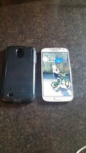 (UNLOCKED) 16GB SAMSUNG GALAXY S4 INCLUDE CHARGER + OTTER BOX