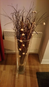 VASES WITH DECORATIVE BRANCHES