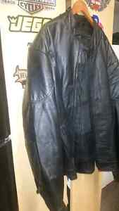56 T Leather coat new with liner Windsor Region Ontario image 2