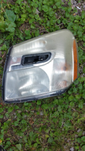 2005-2009 chevrolet equinox headlight