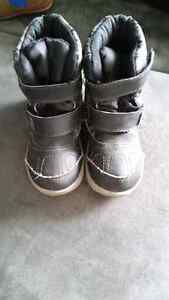 Toddler Winter Boots size 6 & 8