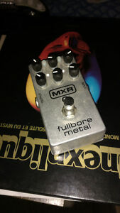 Pédale distorsion MXR fullbore metal + adaptateur boss
