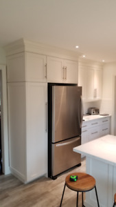 Custom Shaker White Kitchen w/ Quartz Marble Counters 1 yr old