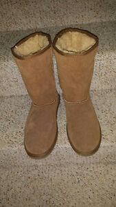 Womens faux UGG  boots