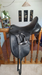 "18"" Isabell Werth (by Bates) dressage saddle - black leather"
