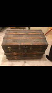 Vintage 1930's trunk from Italy
