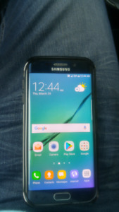 Mint 32 gb Samsung Galaxy S6 EDGE with 2 cases