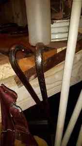 outils,hache,scie,pneus,glacière,ens patio,meuble stéréo West Island Greater Montréal image 9