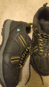 Dexter Crescent Steel Toed Shoes Men's 7 1/2