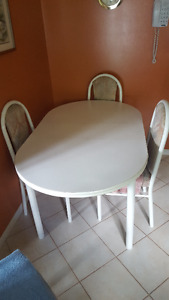 kitchen tables and 4 chairs