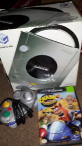 GAME CUBE GAME SYSTEM