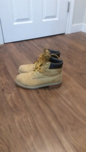 All Seasons Boot Size 6